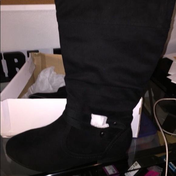 39dd64bfdfd Wide Width boots. NWT. Avenue